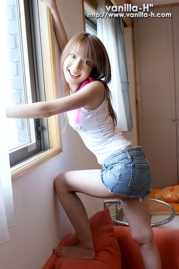 Yuuna Shiomi 汐見優奈-014