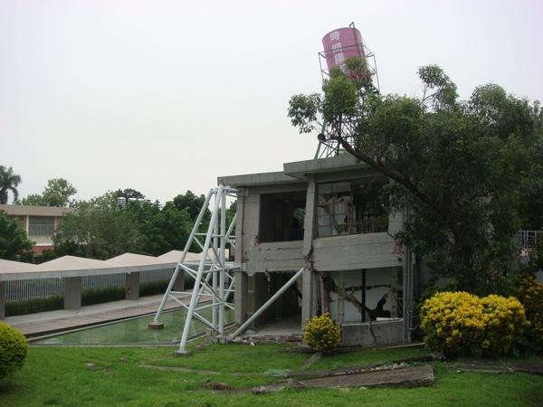 980816霧峰921紀念館 (8).JPG
