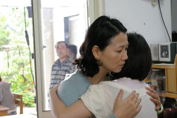 阿春姨抱抱