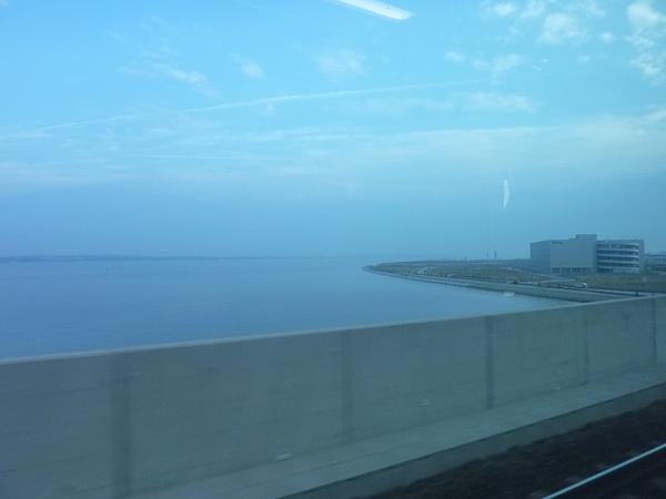 機場蓋在海上