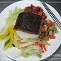 """[大禾] 這是NT60元的""""素魚排飯"""",一樣有五樣配菜。(也是老闆娘特地讓我拍的XD)"""