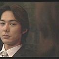 [白夜行] 聰明又敏感的篠塚學長,對於雪穗,敵視與懷疑絲毫不減。