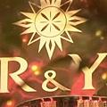 [白夜行] R&Y二號店的入口裝飾,極盡奢華又藏著雪穗與亮司兩人的意象符號