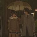 [白夜行] 因為江利子的單純與快樂,讓篠塚不由得對她傾心,引起雪穗的嫉妒。