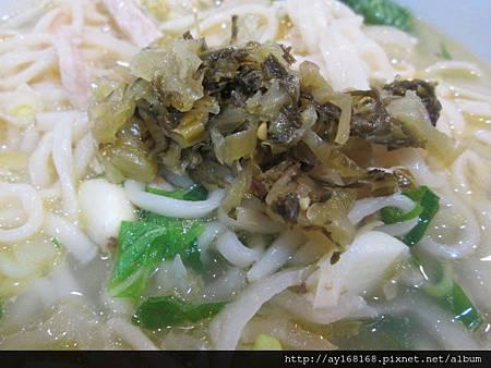 牛肉傳奇+酸菜.jpg