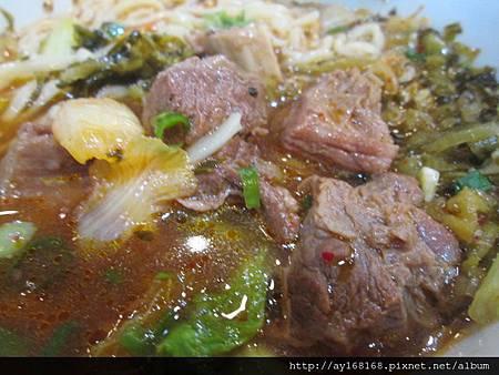 牛肉傳奇 泡菜牛+酸菜.jpg
