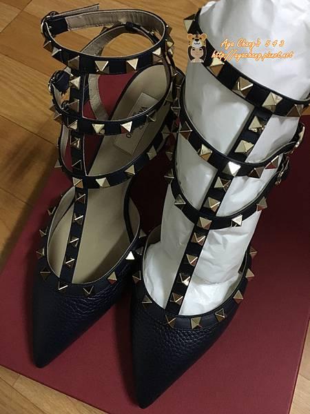 valentino鉚釘鞋簡易開箱分享 (8).JPG