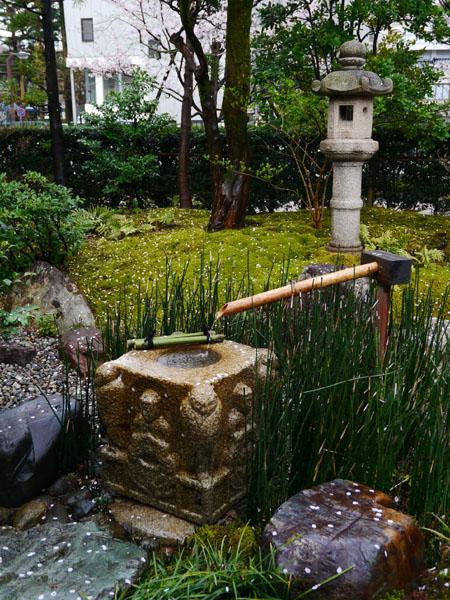 0407 大雨中的金澤21世紀美術館22