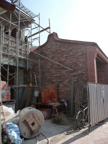 修建中的古厝.jpg