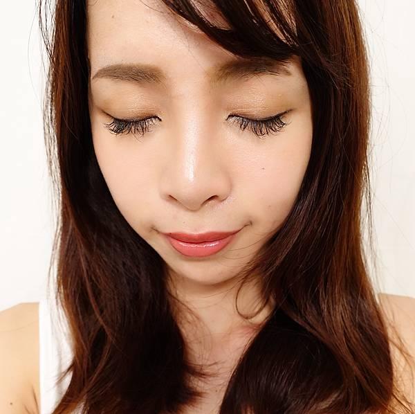 coralie eyebrow