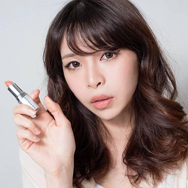 KRYOLAN  lipstick5.jpg