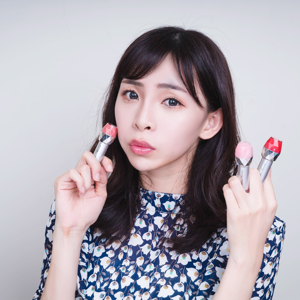 花娜小姐misshana bounjour嘣啾豐唇蜜 珂荷莉4.jpg