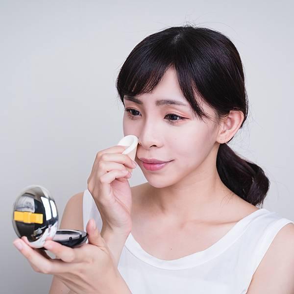 Jenny House光潤無瑕底妝組珠光大理石粉餅6珂荷莉.jpg