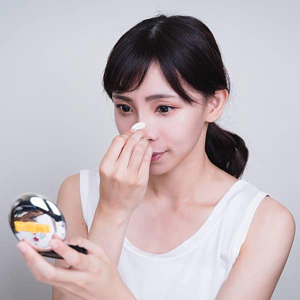 Jenny House光潤無瑕底妝組珠光大理石粉餅.jpg