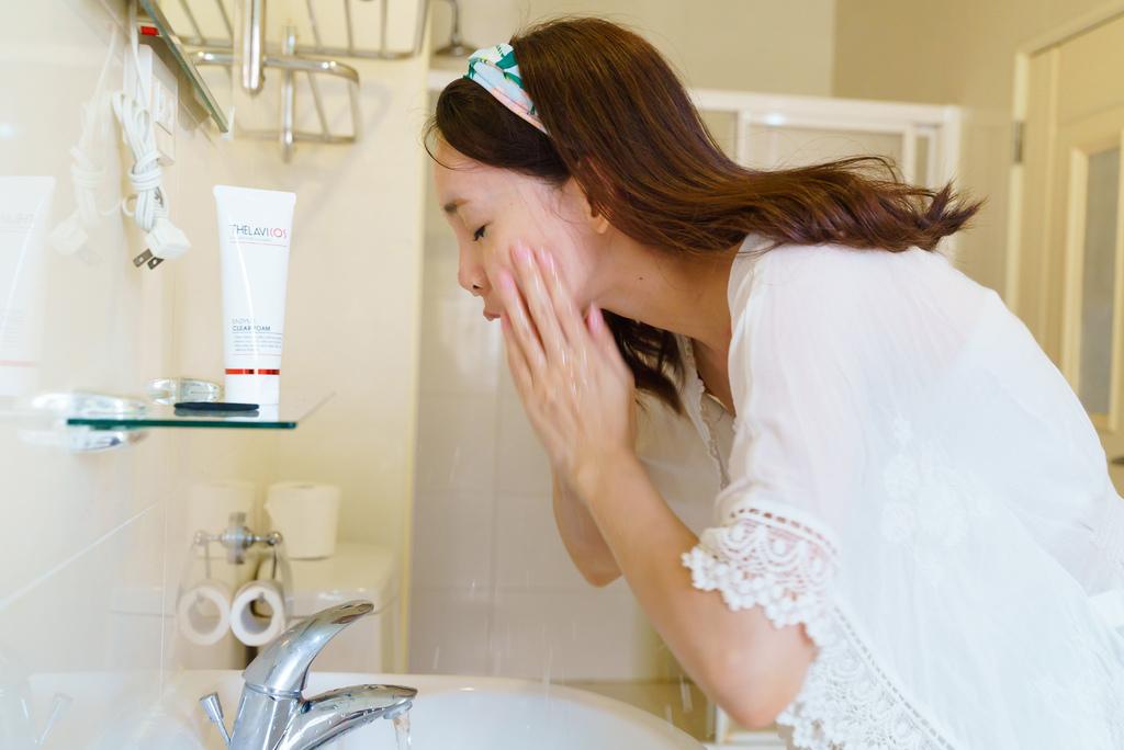 THELAVICOS ENZYME CLEAR FOAM 泰拉苾蛋白酶潔面泡沫 洗臉 .jpg
