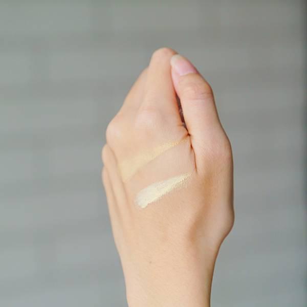 NAF極淨光氣墊粉餅5 naf極淨光雙色遮瑕.jpg