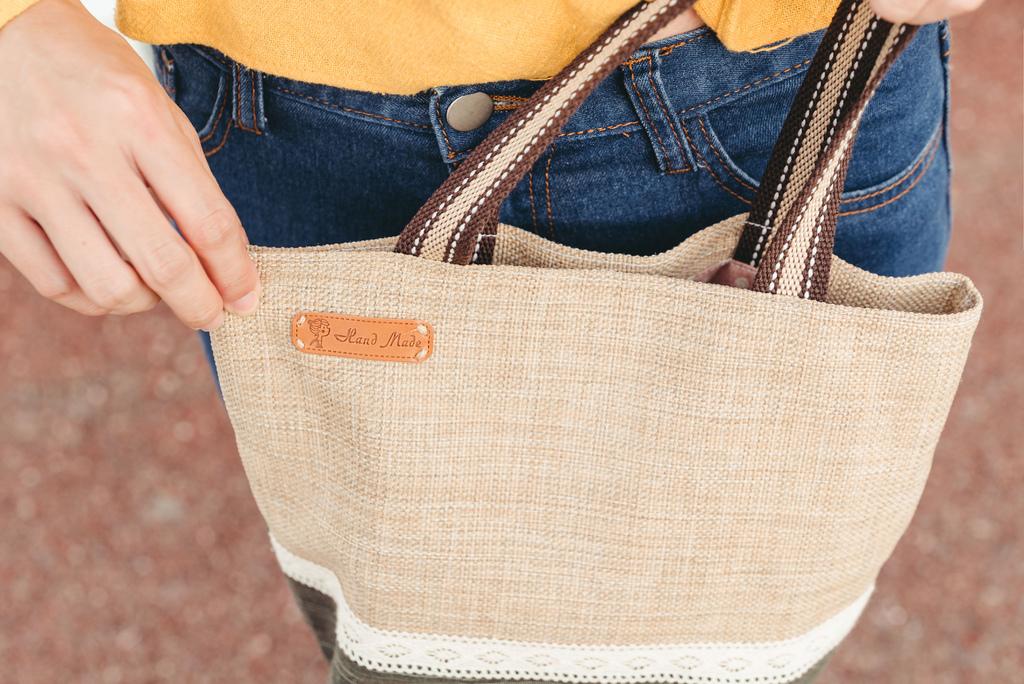 EIQ日系質感系列 純手工環保材質磁扣手提包 哎喔購物網 珂荷莉 10 blog.jpg