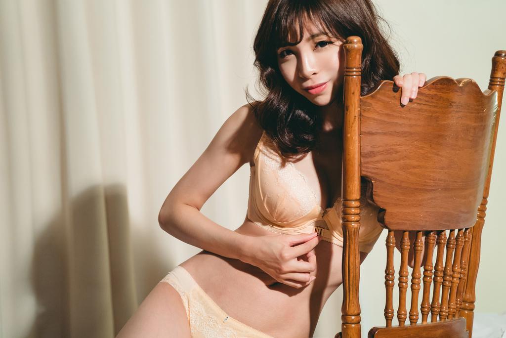 莎薇魔力推推奇幻魔力扣 珂荷莉Coralie 2016 autumn winter 12.jpg