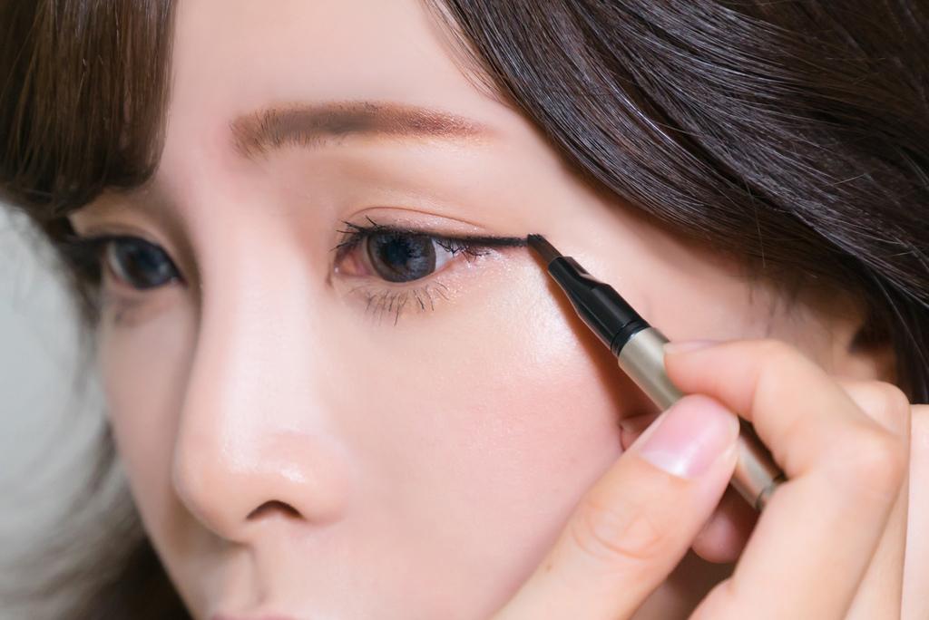 LAMY羅美化妝品眼線膠 bntnews