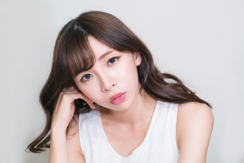 Visee魅色潤澤唇蜜清透紅 珂荷莉 5.jpg