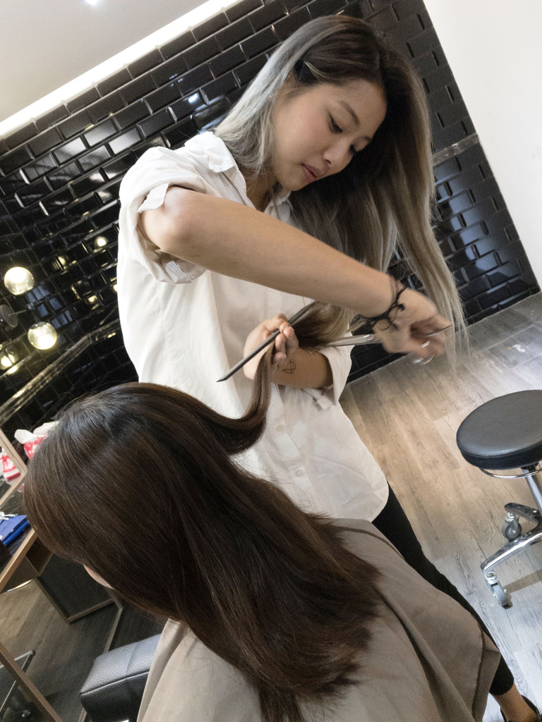 GENIC101 hair salon3.jpg