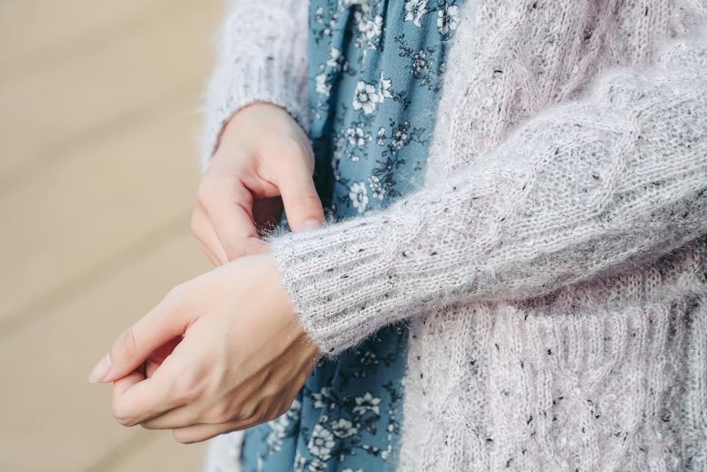 eyescream穿搭12滿版花朵圖案荷葉裙長袖洋裝 珂荷莉.jpg
