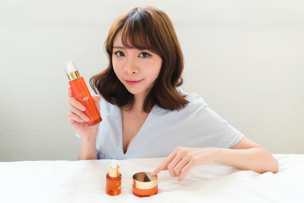 佐登妮絲龍血求麗系列乳液乳霜精華液 珂荷莉.jpg