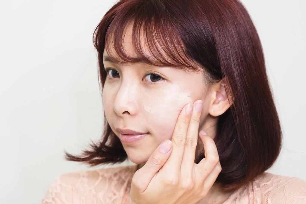 媚點UV防護粧前乳 珂荷莉2.jpg