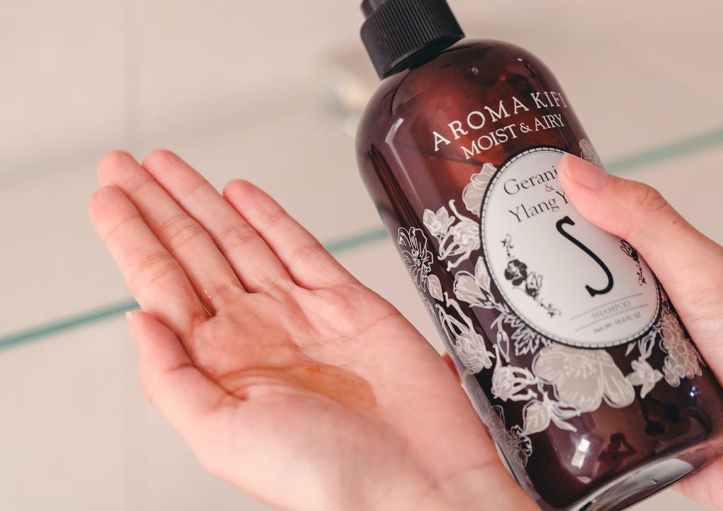 AROMA KIFI 植粹修護洗髮精珂荷莉3.jpg