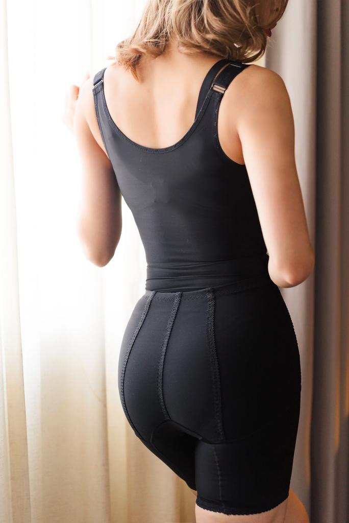 優蕾蒂後脫式排扣塑身衣 珂荷莉10.jpg