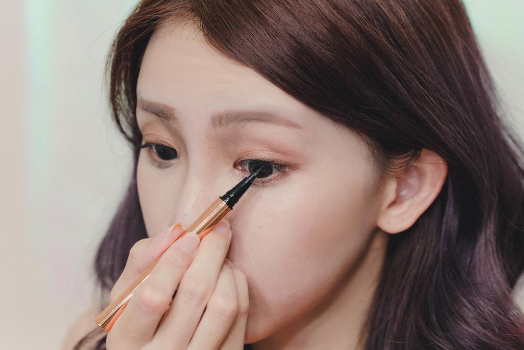 鋼鐵眼線液筆2.jpg