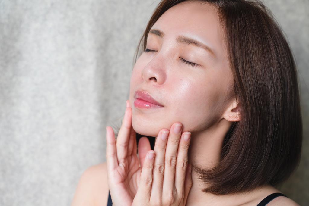 Almado卵殼膜瞬效修護精華液3 珂荷莉.jpg