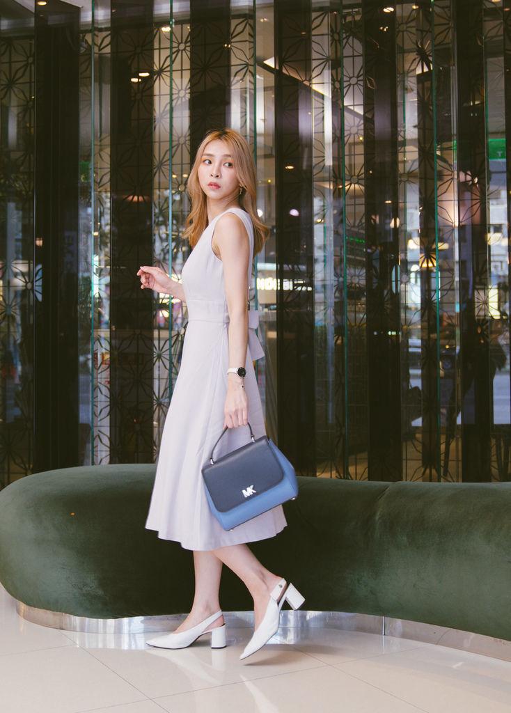 灰藍洋裝2.jpg