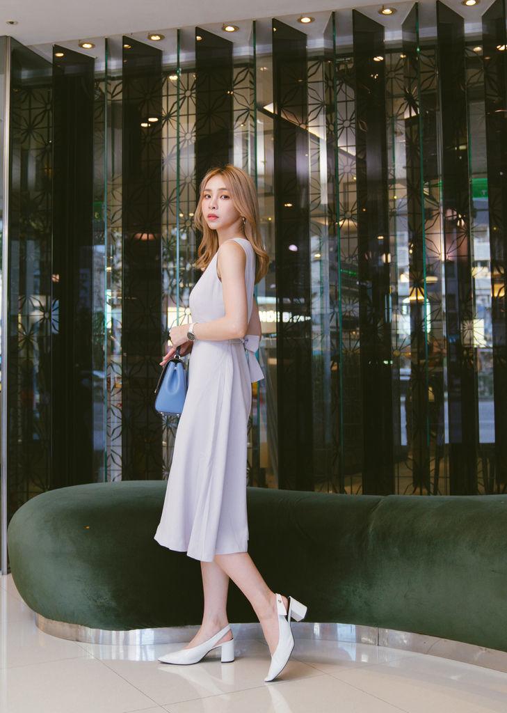 灰藍洋裝.jpg