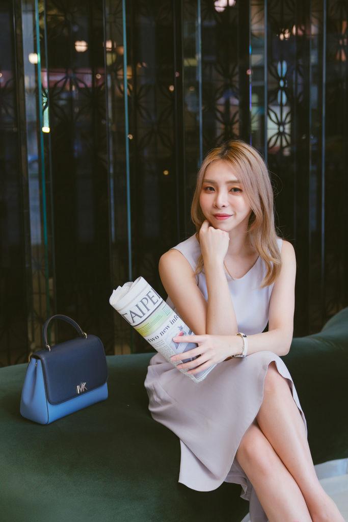 灰藍洋裝6.jpg