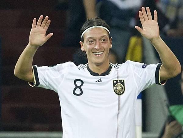 Mesut Özil3