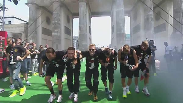 Ankunft und Empfang der Nationalmannschaft[00-07-39].JPG