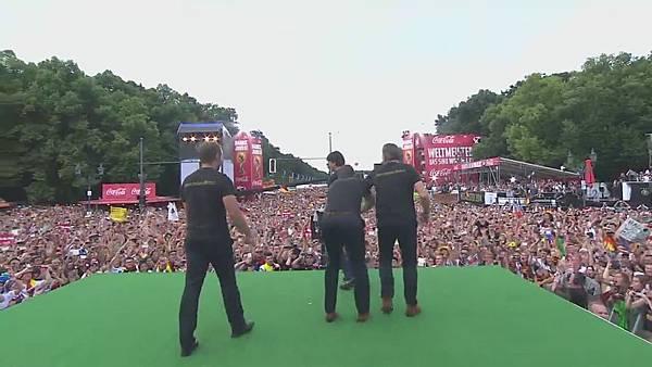 Ankunft und Empfang der Nationalmannschaft[23-55-43].JPG