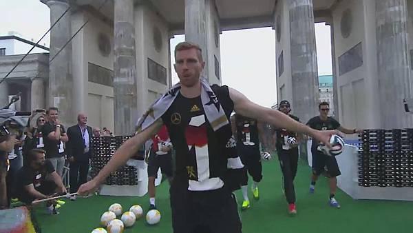 Ankunft und Empfang der Nationalmannschaft[23-59-44].JPG