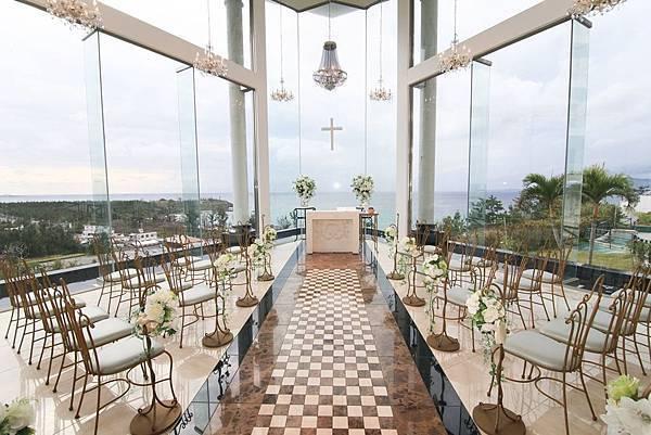 Kariyushi海灘度假村內的鑽石海小禮堂,擁有360度的寬闊視角