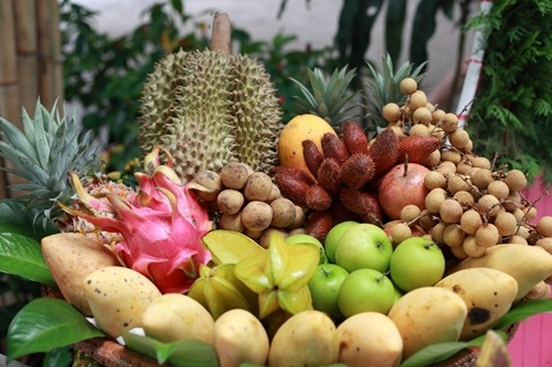 熱帶水果的果籃