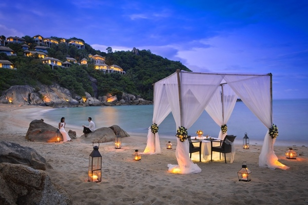 47173281-H1-BTTHSM_FH_0312_Beach_Dining_with_Sala_3178.jpg
