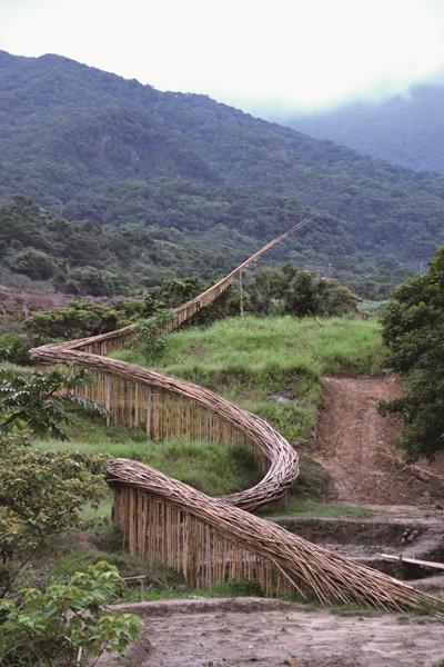 石門亦有地景藝術的美麗呈現.JPG
