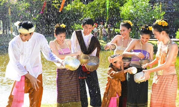 Thai Festivity- Songkran-Thainess-Thailand-0352PO_1.jpg