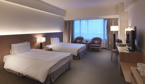 豪華雙人房-兩小床.jpg