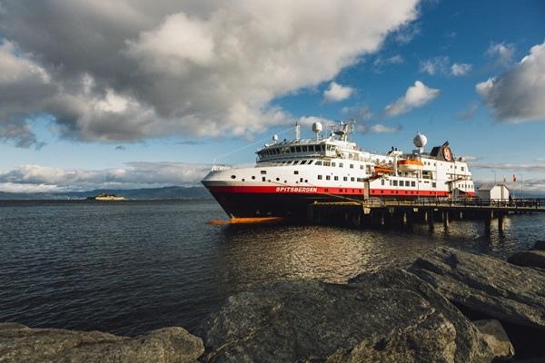 The-quay-in-Trondheim-MS-Spitsbergen-HGR-113957.jpg