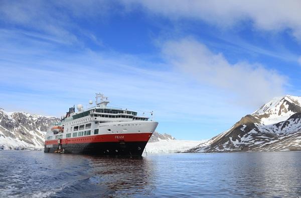 Buregerbukta-Spitsbergen-Svalbard-HGR-115859.JPG