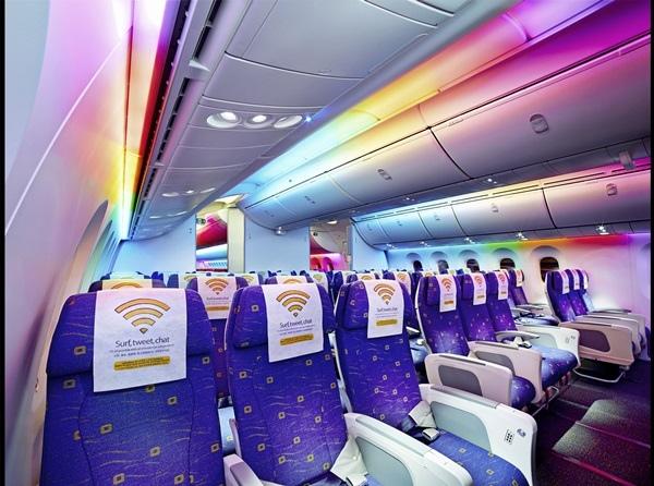 酷航經濟艙LED燈光效果情境照.jpg