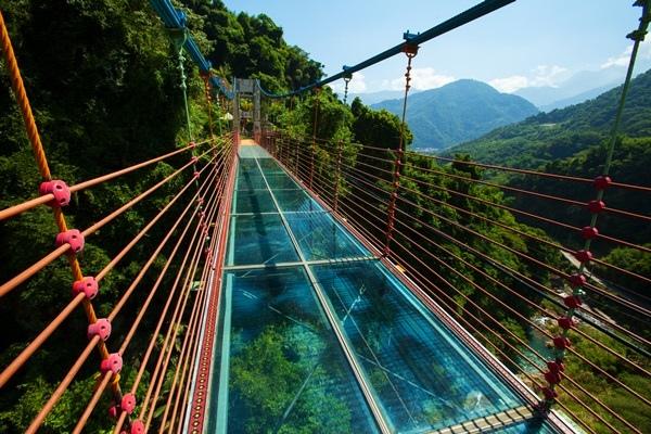 雙龍瀑布入選72-賴楠忠-信義鄉-信一玻璃吊橋.jpg