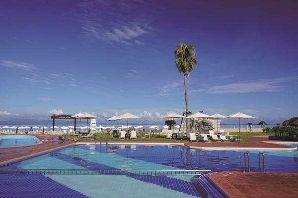 沖繩Okuma海灘度假酒店泳池.jpg